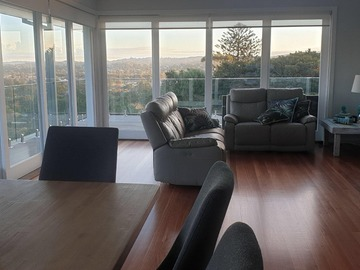 Renting out with online payment: Spacious Lounge with balcony
