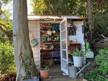 Renting out with online payment: Hidden shed with Ocean View
