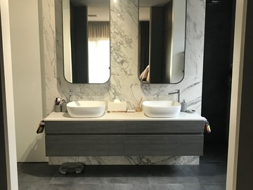 Renting out with online payment: Pristine Bathroom