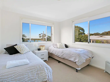 Renting out with online payment: Upstairs Bedroom with a View
