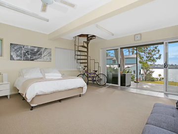 Renting out with online payment:  Spacious Bedroom with View