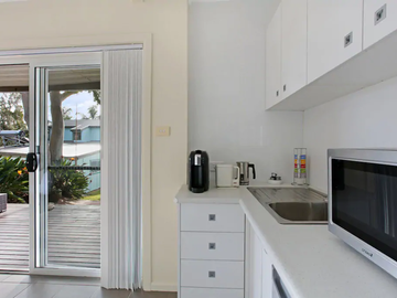 Renting out with online payment: Kitchen with an Outdoor View