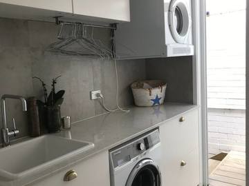 Renting out with online payment: Complete Laundry Room
