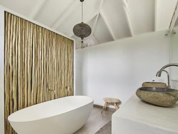 Renting out with online payment:  Bathroom with Bath