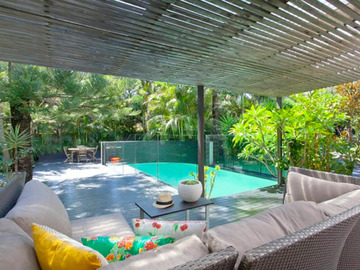Renting out with online payment: Beautiful Pool with Relaxing Outdoor Area