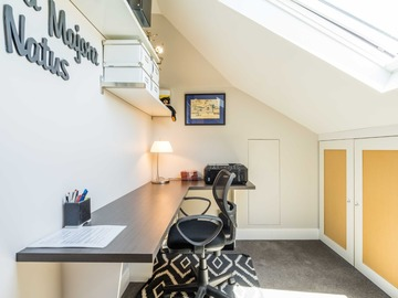 Renting out with online payment: Study Room with Skylight