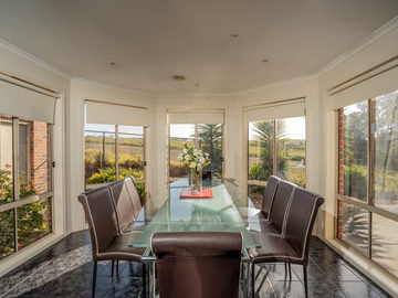 Renting out with online payment: Eight Seater Dining Area