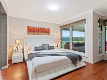 Renting out with online payment: Spacious Bedrooom with Large Windows