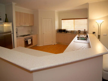 Renting out with online payment: Large and Fully Equipped Kitchen