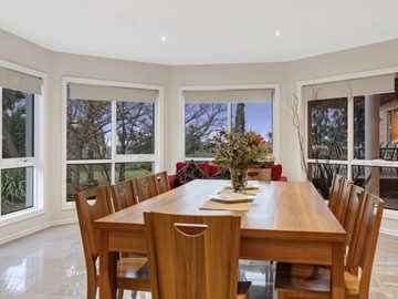 Renting out with online payment: Large Capacity Dining Area