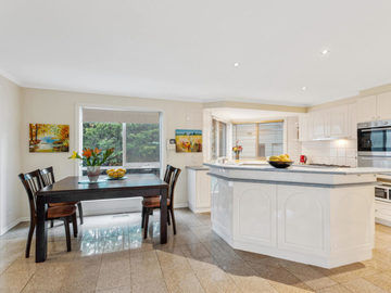 Renting out with online payment: Fully Equipped Open Plan Kitchen