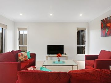 Renting out with online payment: Bright Living Area
