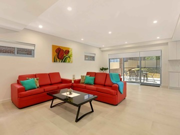Renting out with online payment: Living Area with Outdoor Access