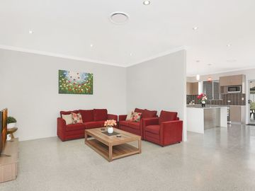 Renting out with online payment: Well-Lit Living Area