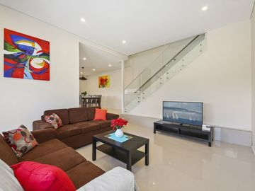 Renting out with online payment: Comfortable and Cozy Lounge Area