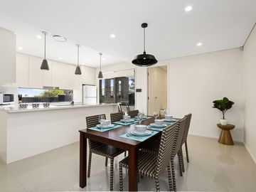Renting out with online payment: Open Plan Dining