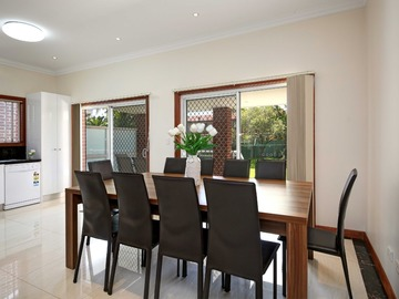 Renting out with online payment: Open Plan Dining with Outdoor Access