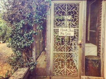 Renting out with online payment: Beautiful gate