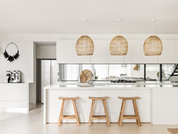 Renting out with online payment: Designer Kitchen in waterfront house