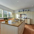 Renting out with online payment: Renovated Kitchen in Country Federation Mansion (original Aga)