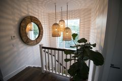 Renting out with online payment: Hampton Stairs with Good Lighting