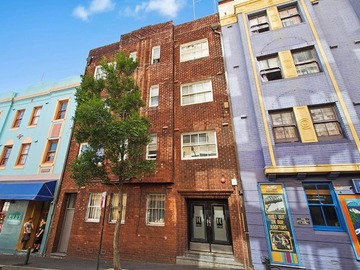 Renting out with online payment: Art Deco Building