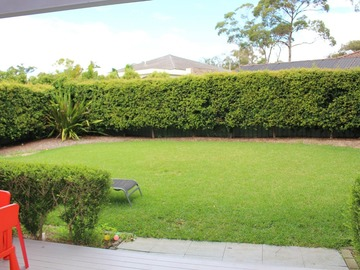 Renting out with online payment: Large Lawn Area
