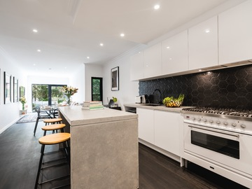 Renting out with online payment: Modern terrace house in Sydney's Alexandria