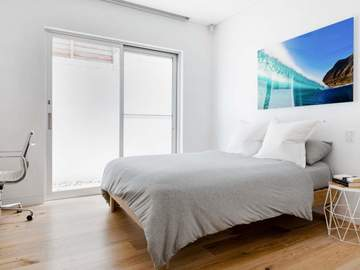 Renting out with online payment: Bedroom with Access to Hallway Bathroom