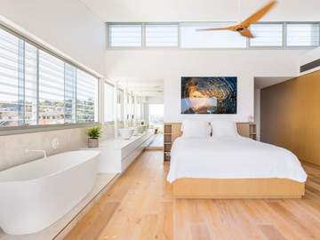 Renting out with online payment: Master Bedroom with Ensuite