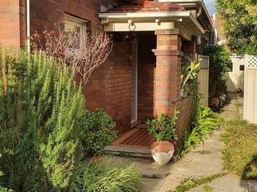 Renting out with online payment: Brick House Exterior