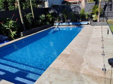 Renting out with online payment: Lovely Pool in North Manly