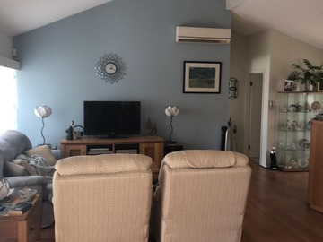 Renting out with online payment: Upstairs Living Area