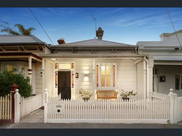 Renting out with online payment: Two bedrooms and large hallway in Victorian house