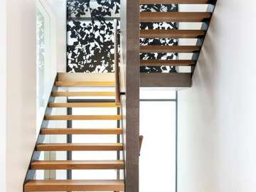 Renting out with online payment: Modern Timber Stairs