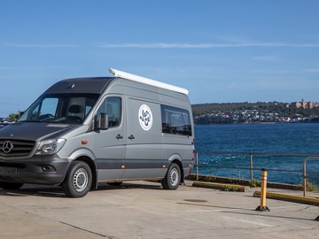 Renting out with online payment: Big Bird - the Matte Silver Sprinter