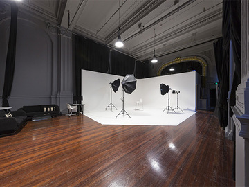 Renting out with online payment: Sydney CBD Photo Studio