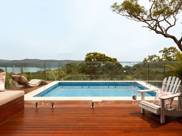 Renting out with online payment: Fenced Swimming Pool