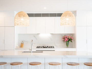 Renting out with online payment: Coastal Kitchen - Modern, Light & Bright