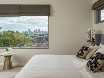 Renting out with online payment: Bedroom with King Bed and Balcony