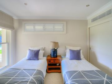 Renting out with online payment: Kid's Room with Twin Size Beds