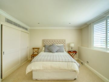 Renting out with online payment: Bright and Airy Bedroom