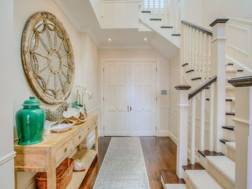 Renting out with online payment: Beautiful White Staircase