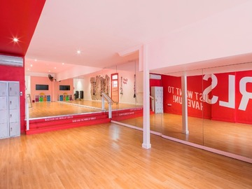 Renting out with online payment: Dance/gym studio
