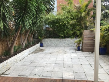 Renting out with online payment: Stunning terrace in Manly with bamboos background