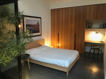 Renting out with online payment: Cozy Bedroom with Outdoor Access