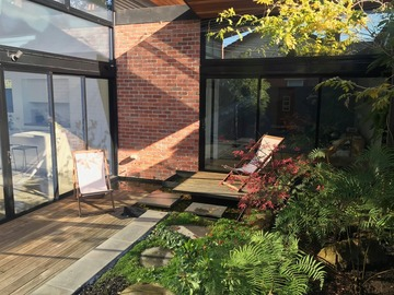 Renting out with online payment: Outdoor Deck with Chairs