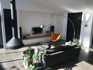 Renting out with online payment: Spacious Living Area Filled with Natural Light