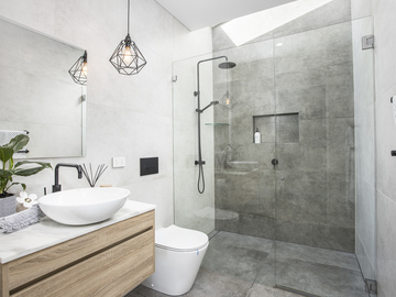 Renting out with online payment: Beautiful Bathrooms