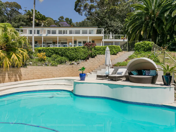 Renting out with online payment: Pool Overlooking Pittwater